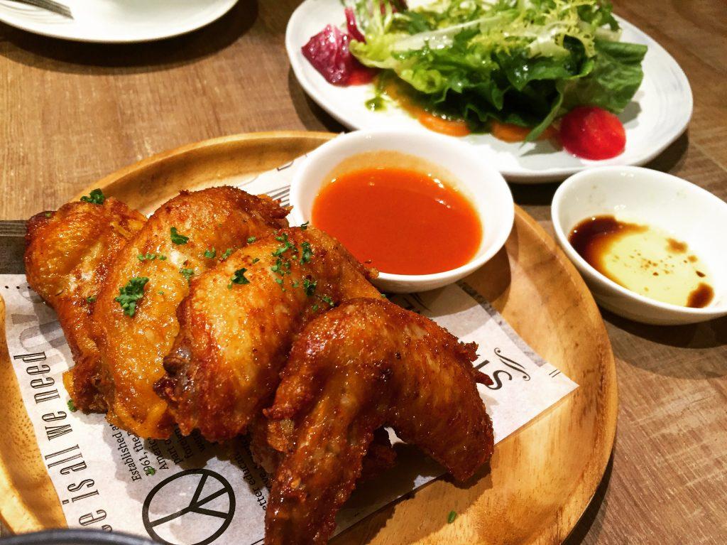Cin Cin Osteria 請請義大利餐廳招牌辣雞翅。(圖/吐司客拍攝)