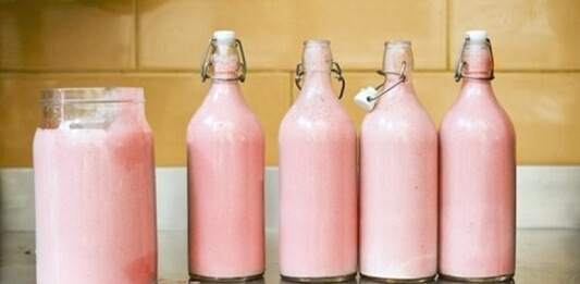 河馬奶其實不是粉紅色的,純屬謠言一則。