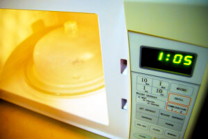 微波爐加熱食物會致癌