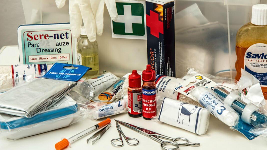 當年保健室裡的紫藥水、黃藥水和紅藥水去哪兒了?(圖片來源:https://pixabay.com)