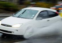 開車遇淹水怎麼辦