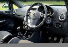 開車不開窗,會致命?完全謠言一則。(圖片來源:https://pixabay.com)