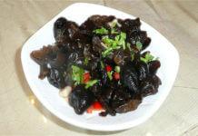 黑木耳長時間浸泡會產生毒素?(圖片來源:https://zh.wikipedia.org/wiki/File:Cuisine_of_China_0013.JPG)