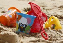 網路瘋傳將自己身體埋在沙子裡小心喪命,是真的嗎?(圖/https://pixabay.com)