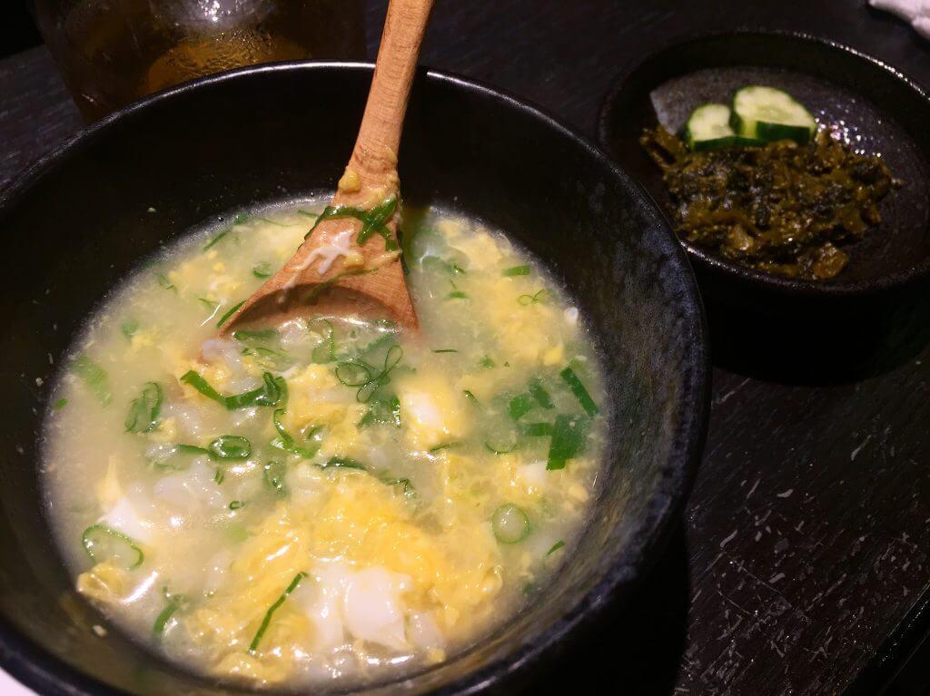 雜炊與明太子高菜。(圖/吐司客拍攝)