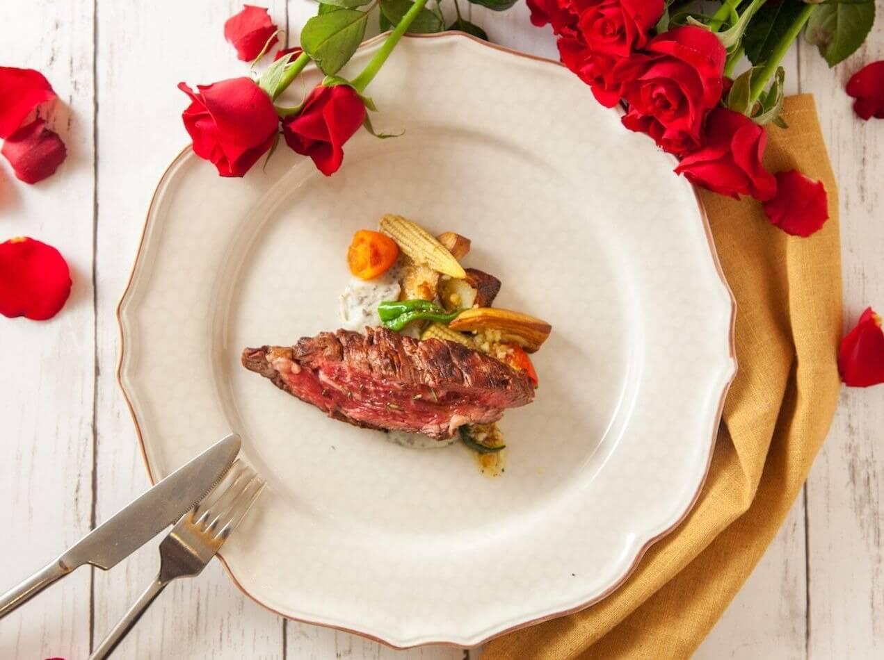 驢子餐廳老饕牛排與松露馬鈴薯泥。(圖/驢子餐廳提供)