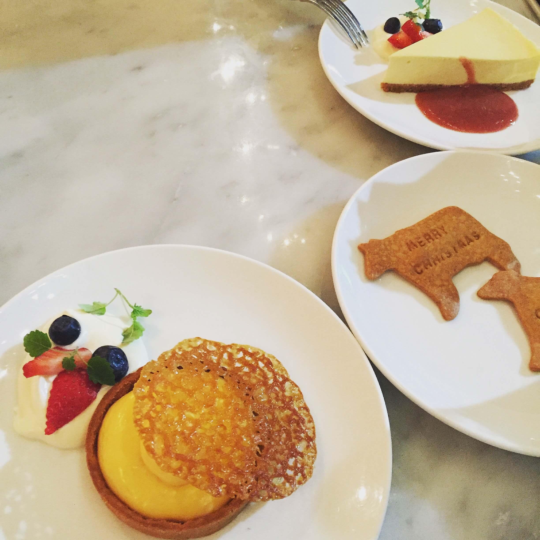 季節起司蛋糕與檸檬塔。(圖/吐司客拍攝)