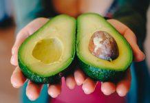 酪梨籽 千萬別丟掉,這樣吃居然強效殺死癌細胞?謠言把酪梨籽當作仙丹嗎?(圖片來源:https://pixabay.com)