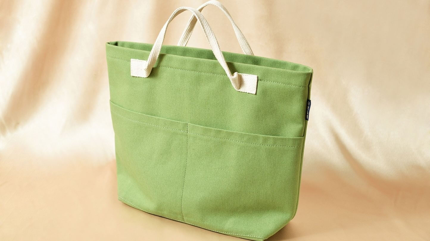 「旺旺好運福袋」與在地知名店家廣富號帆布行聯名推出。 (圖片/台南晶英酒店提供)