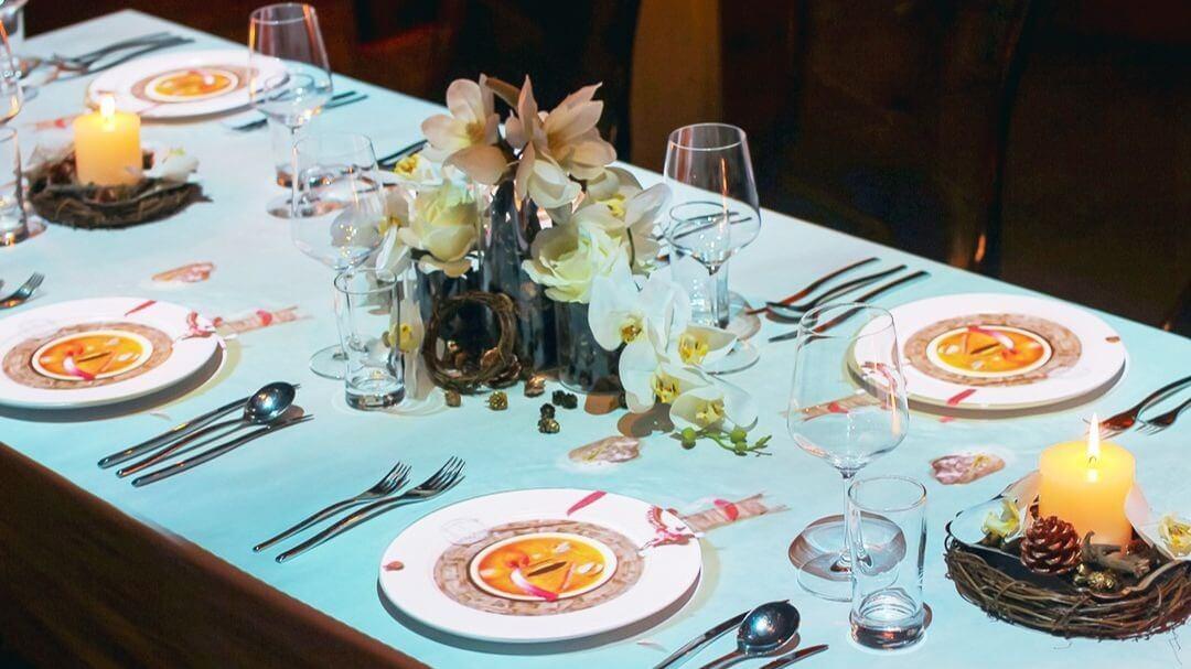 利用3D裸視投影結合料理,搭配對應主廚特製料理享用! (圖/台南晶英酒店提供)