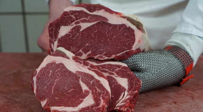為何肉有金屬的綠色