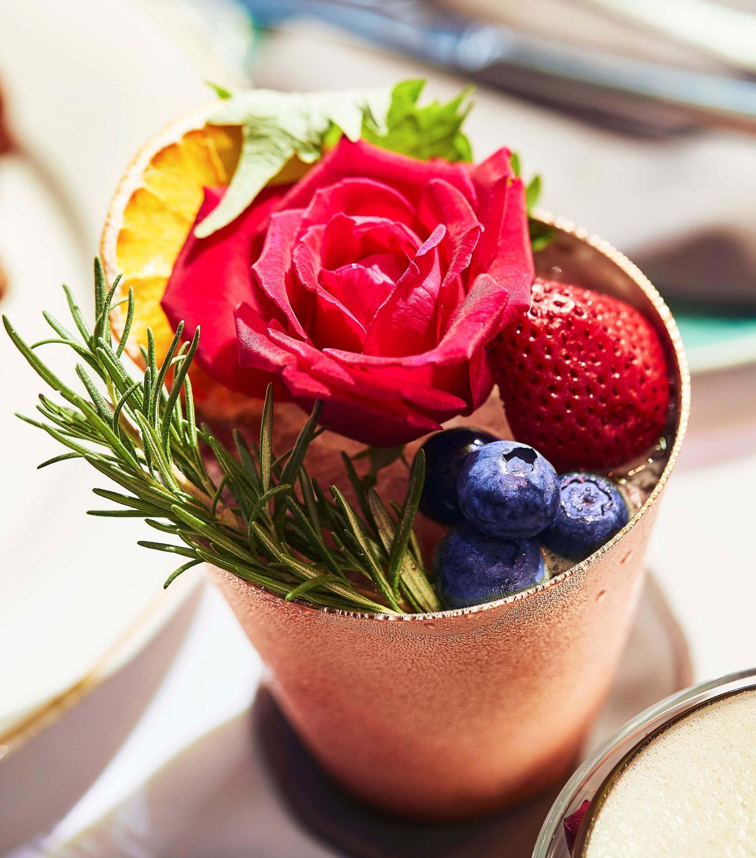 台北萬豪酒店INGES早午餐_絲絨玫瑰莓果凍飲。(圖/台北萬豪酒店提供)