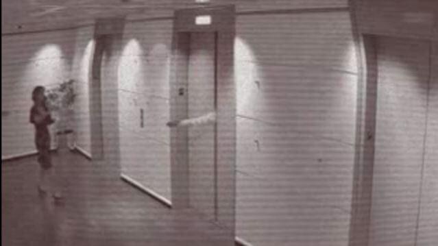 千萬不要用手來擋開電梯門 ,小心機器故障夾斷手?超瞎影片配上幻想謠言,你信了嗎?