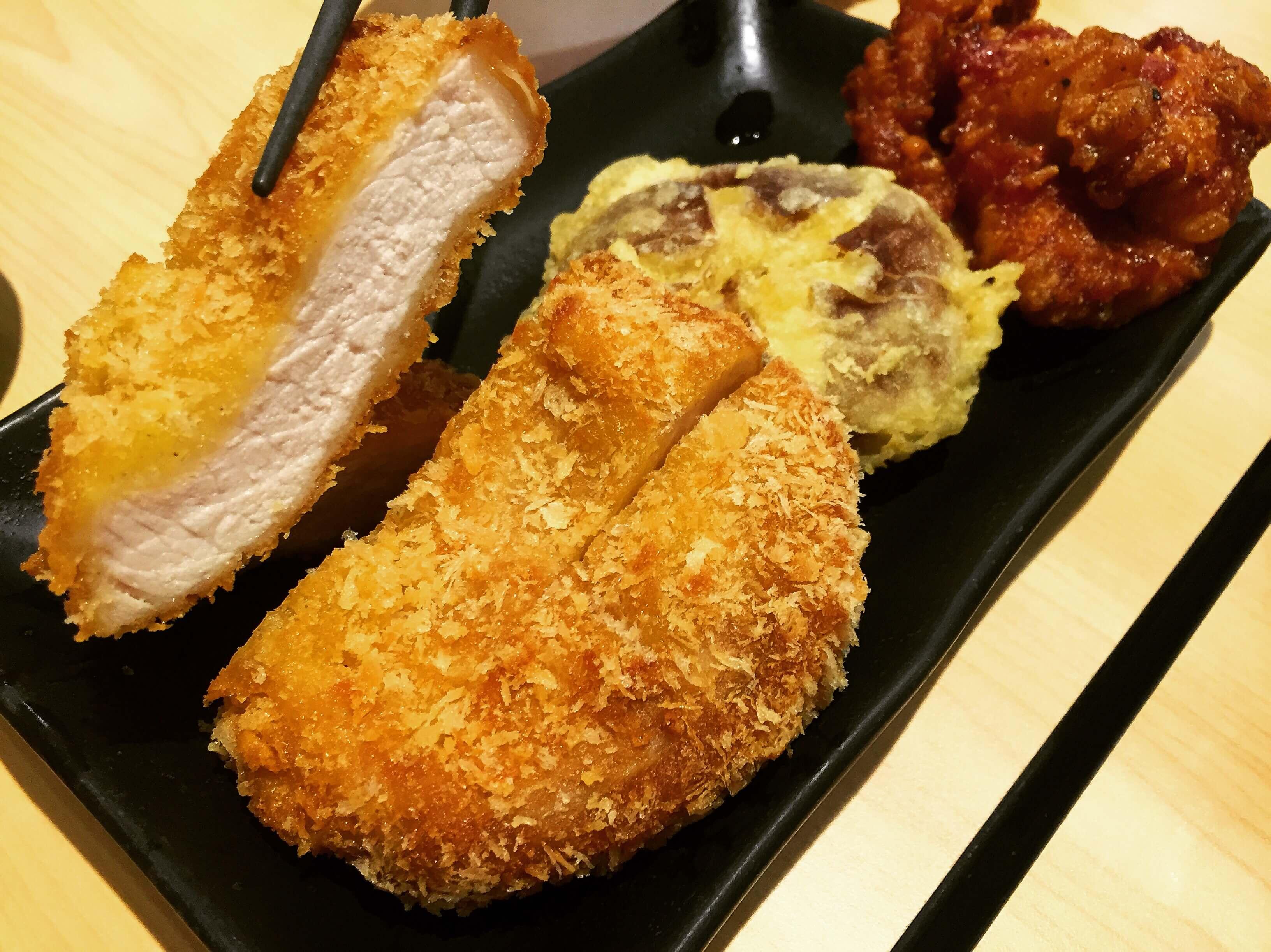 米澤製麵古亭店的厚實豬排。(圖/吐司客拍攝)