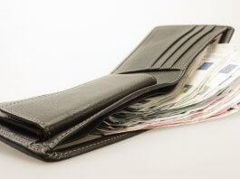 拾獲健保卡 放在原位明顯處不要拿去繳 ,小心被詐騙集團騙錢?各位別被謠言騙了,撿到重要物品仍要送去派出所呀!(圖片來源:https://pixabay.com)