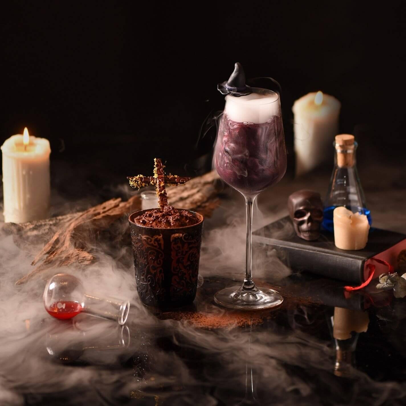萬聖節特調修道怨 W Monastery (L) 女巫迷魂Witch Craft(R) 。(圖/台北W飯店提供)