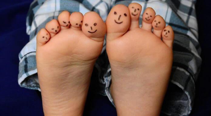 很多人說「 優碘可以治療香港腳 」是真的嗎?假的,小心越弄越糟!(圖片來源:https://pixabay.com)