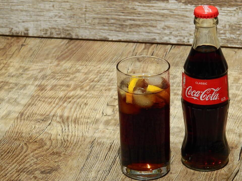 玻璃瓶可樂比寶特瓶可樂好喝(圖翻攝自網路)