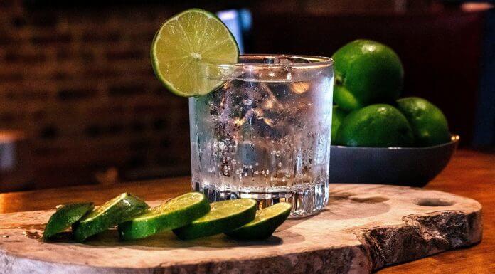 多喝「通寧汽水」預防武漢肺炎 ,因為它含有奎寧成分?錯!喝再多也沒用(圖片來源:https://pixabay.com)