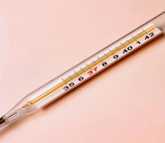 「沒想到一根 摔碎的水銀溫度計 會害人性命」網路影片,是錯誤謠言勿轉發!(圖片來源:https://pixabay.com)